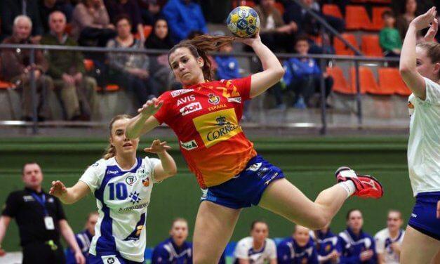La guerrera junior Lorena Zarco será jugadora del primer equipo del Balonmano Morvedre