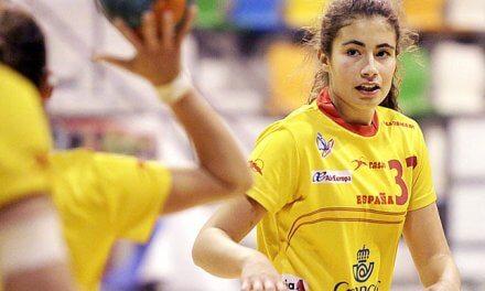 La guerrera junior Rocío Rojas seguirá progresando y sumando goles con el  Balonmano Morvedre