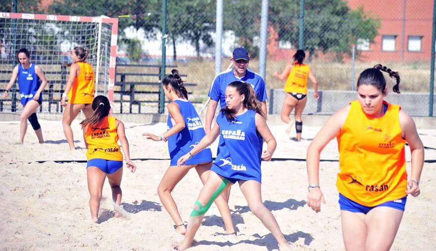 María Gil disputa esta semana el Campeonato del Mundo de Balonmano Playa Sub17