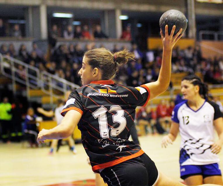Violeta Puche confirma su continuidad en el primer equipo del Balonmano Morvedre