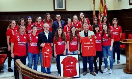 El Ayuntamiento de Sagunto reconoce la gran temporada del Bm Morvedre