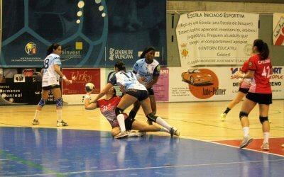 El Bm. Morvedre pierde (21-22) un partido que luchó hasta los últimos segundos.