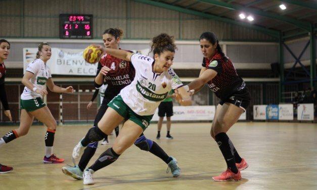 La navarra Carmen Ocáriz ficha por el Club Balonmano Morvedre